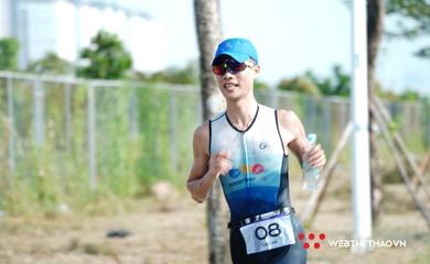 """Tuyển thủ """"Huyền thoại mùa thu"""" Cao Hà vô địch Hanoi Triathlon 2020"""