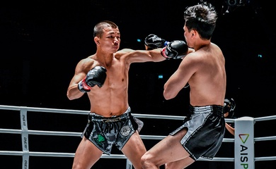'Capitan' Muay Thai gây sốc với cú KO 6 giây tại ONE A New Breed III