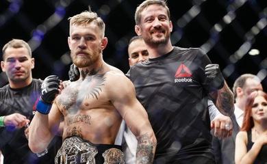 Tiêu chuẩn chọn võ sĩ của HLV Conor McGregor: Đo độ nở của mông