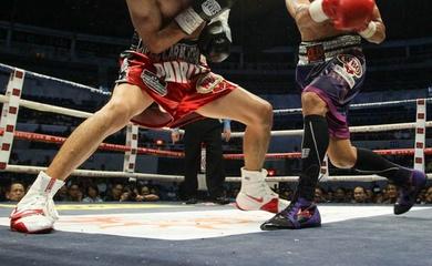 Vì sao footwork của boxing và MMA lại hoa mỹ hơn footwork kickboxing?