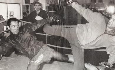Kickboxing Hà Lan và Kyokushin (Phần 1): Trận thua lịch sử của Kenji Kurosaki