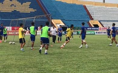 Nam Định FC xin lỗi vì để khán giả tấn công BHL Quảng Nam FC