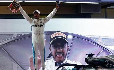 Hamilton kết thúc năm 2018 bằng chiến thắng tuyệt đối ở Abu Dhabi GP