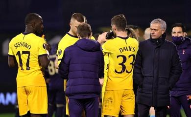 """CĐV Tottenham """"nhẹ nhõm"""" khi Mourinho bị sa thải"""