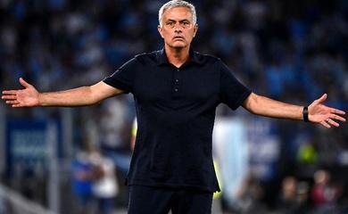 Mourinho buộc tội trọng tài và VAR khi Roma thua trận derby