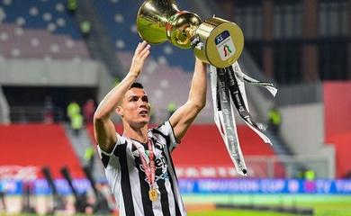 Ronaldo lần đầu tiên được trao giải mang tên nhà vô địch Paolo Rossi
