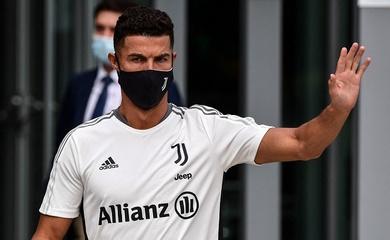 Ronaldo tạm biệt đồng đội ở Juventus để chuẩn bị chuyển nhượng