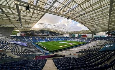 Địa điểm mới tổ chức trận chung kết Champions League 2021 ở đâu?