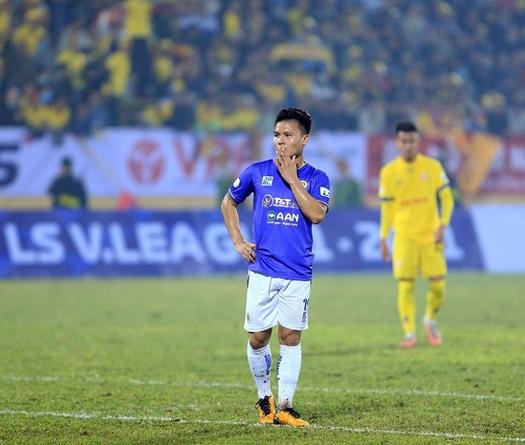 Nam Định làm ướt sân hay chuyện V.League sợ gì nhất