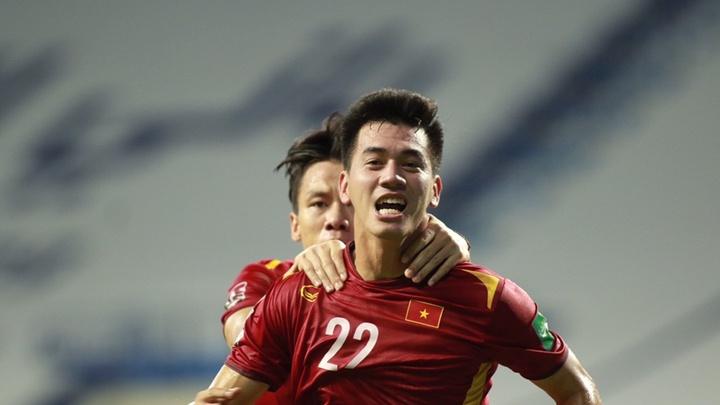 Cập nhật kết quả: Việt Nam 1-1 Malaysia, UAE 4-0 Indonesia