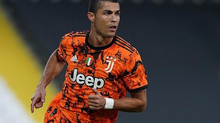 Ronaldo đã mang về bao nhiêu tiền tài trợ cho Juventus?