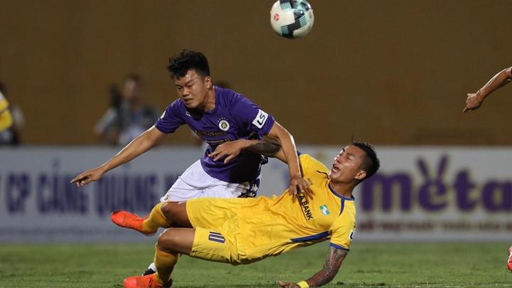 Quang Hải nén đau vào sân, Hà Nội thua sốc SLNA