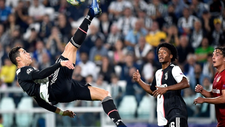 Ronaldo L U1ea1i Ph U00e1 U0111 U1ed5 Th U00eam K U1ef7 L U1ee5c T U1ea1i C U00fap C1 Ch U00e2u U00c2u