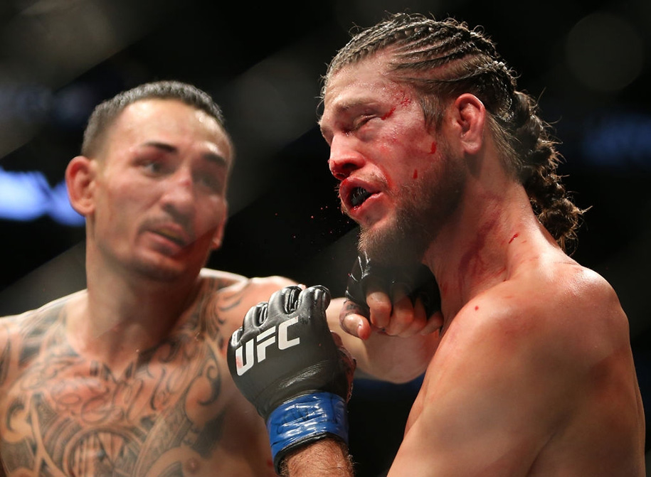 Ngày này năm xưa: Max Holloway gieo cơn ác mộng với Brian Ortega tại UFC 231