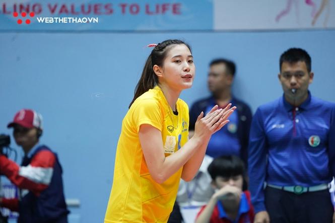 Hotgirl Thu Huyền tỏa sáng giúp chủ nhà Đăk Lăk trụ hạng sớm