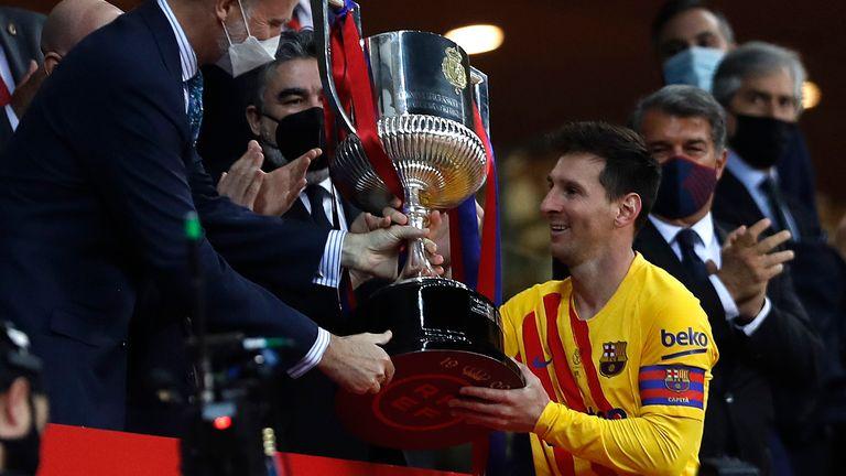 Messi giành nhiều danh hiệu thứ hai lịch sử nhờ đoạt Cúp Nhà vua