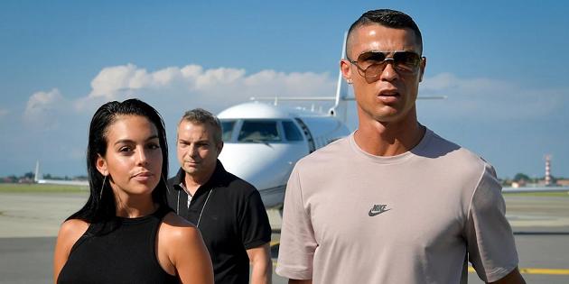 Ronaldo khiến người hâm mộ nghi ngờ khi mua biệt thự tặng bạn gái