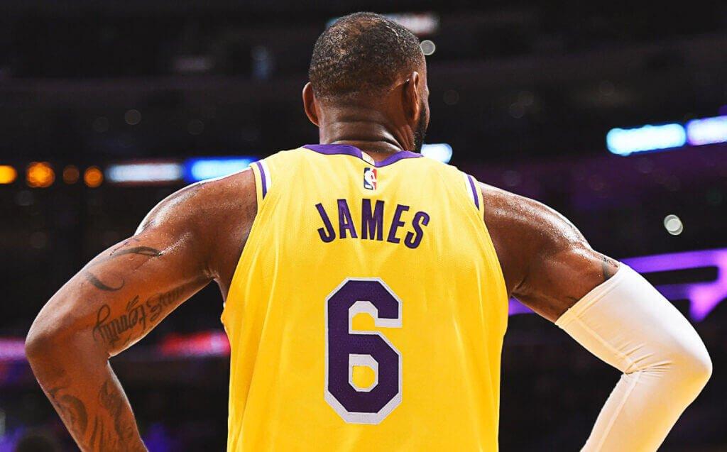 Nóng: LeBron James sẽ đổi số áo, quyết theo đuổi con số ưa thích từ thời Miami Heat