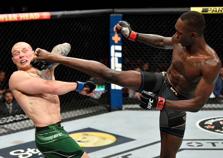 UFC 263: Israel Adesanya bảo vệ đai thành công, Brandon Moreno lên ngôi đầy cảm xúc