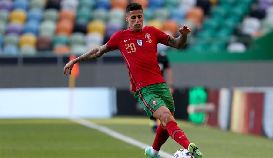 Cancelo dính COVID-19, Bồ Đào Nha triệu tập gấp người thay thế
