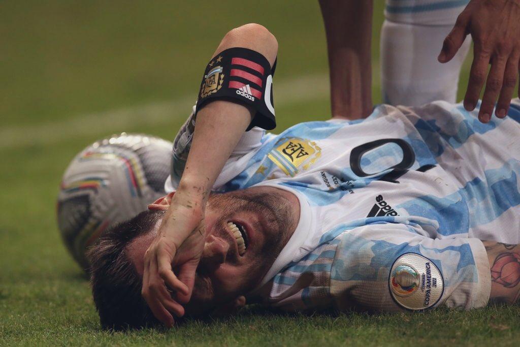 Choáng với hình ảnh Messi kiệt sức