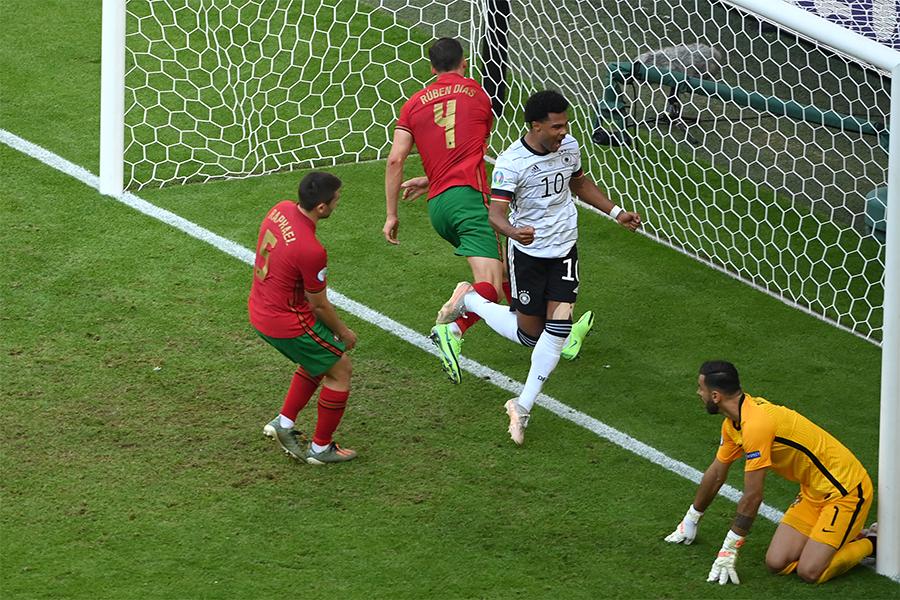 Bao nhiêu kỷ lục được thiết lập ở trận kinh điển Đức - Bồ Đào Nha?