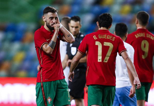 Đội hình ra sân Bồ Đào Nha vs Pháp: Fernandes dự bị