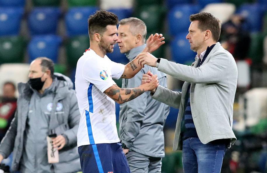 Slovakia cầu mong may mắn trước Tây Ban Nha