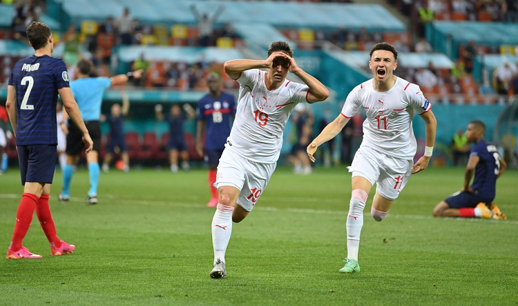 EURO 2021: Giải đấu của những màn ngược dòng cảm xúc