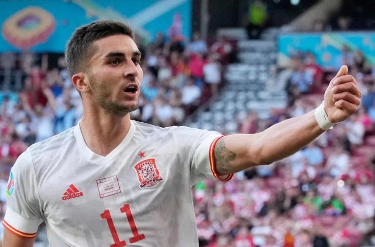 Trực tiếp Thụy Sĩ vs Tây Ban Nha: Seferovic so tài Morata