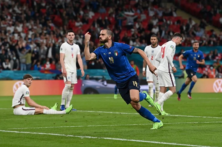 Bonucci ghi bàn thắng đặc biệt cho Italia ở chung kết EURO 2021