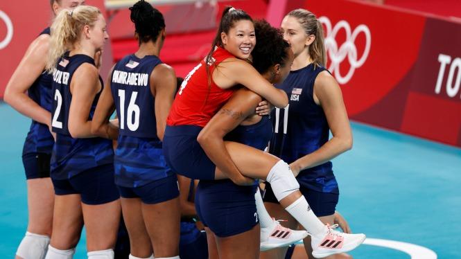 Chung kết bóng chuyền nữ Olympic Tokyo: Phá dớp với oan gia?