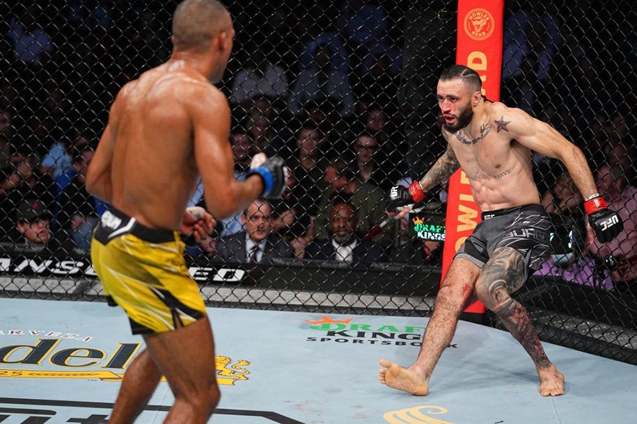 Full Fight Barboza vs Burgos: Màn đôi công với cú knockout
