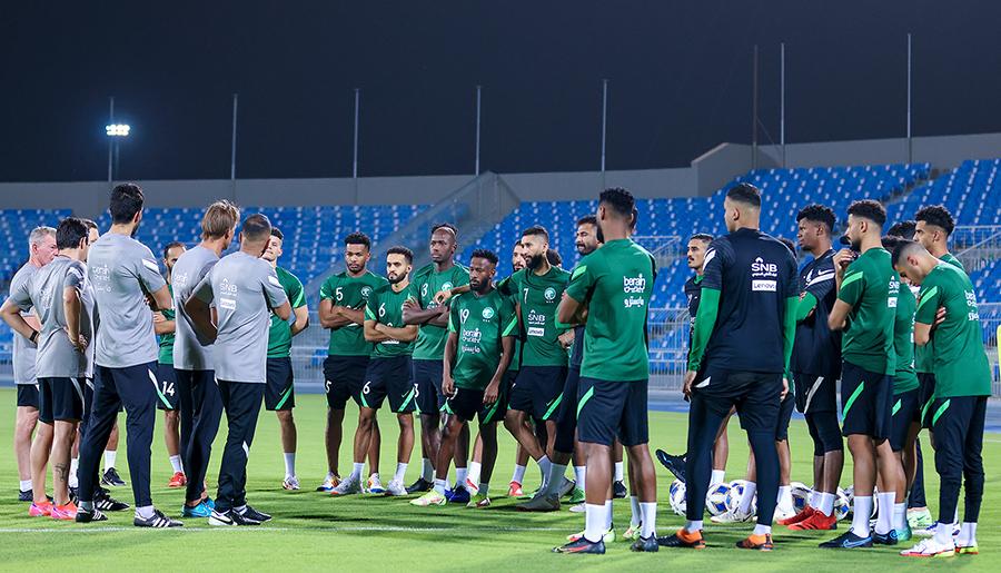 Saudi Arabia tập luyện theo chế độ khác biệt so với tuyển Việt Nam