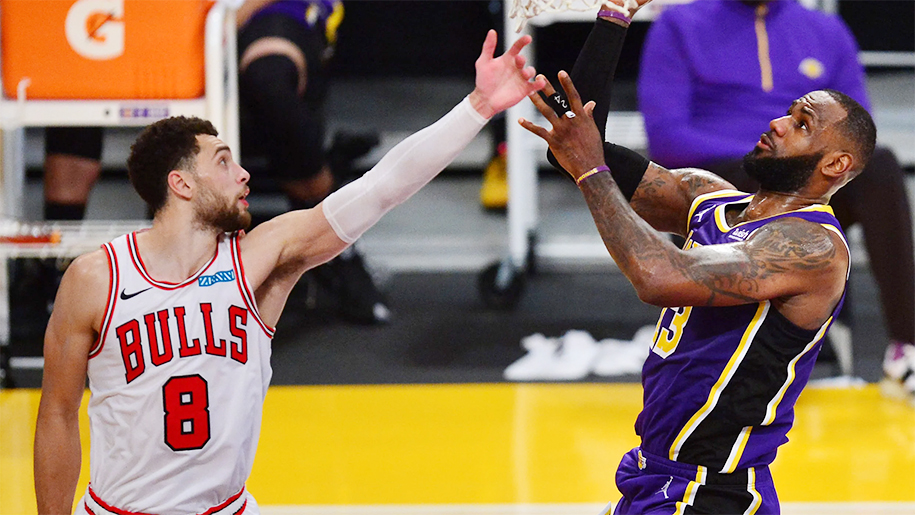 """Zach LaVine chính thức """"về đội"""" của LeBron James"""
