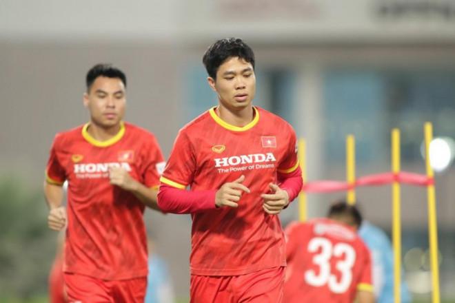 Danh sách tuyển Việt Nam đấu Trung Quốc: Công Phượng tái xuất