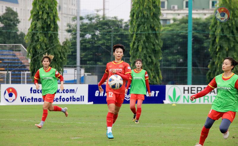 Tuyển nữ Việt Nam chốt danh sách đấu với đội bóng đặc biệt thế giới