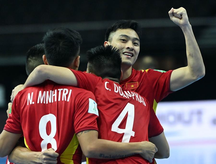 Việt Nam cùng anh hào châu Á ghi danh lịch sử ở futsal World Cup