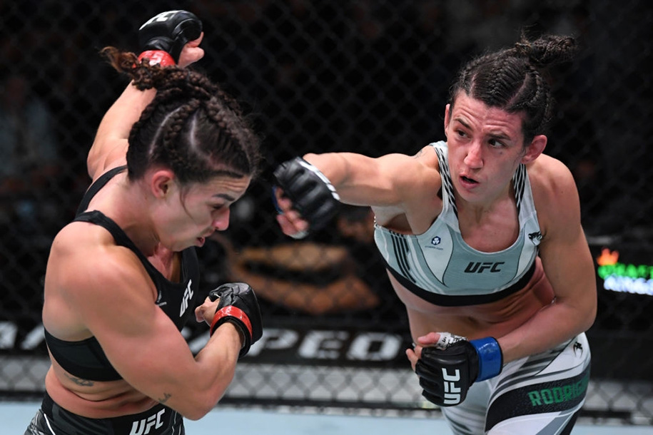 UFC Fight Night 194: Marina Rodriguez thắng áp đảo Mackenzie Dern