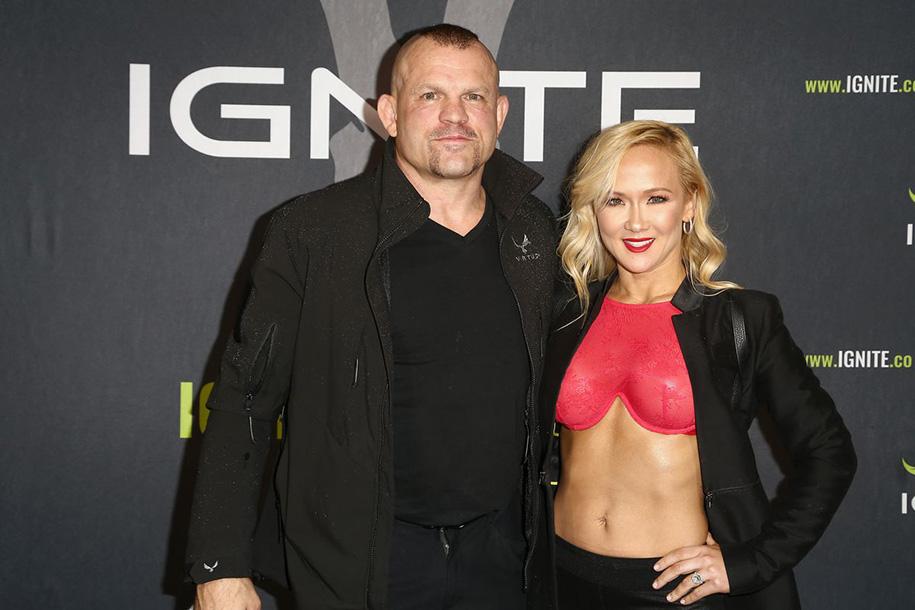 Huyền thoại UFC Chuck Liddell bị bắt do hành hung vợ: Ai mới là nạn nhân?
