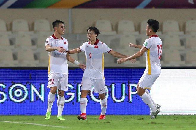 """Tiến Linh cho Son Heung Min """"ngửi khói"""" ở vòng loại World Cup 2022"""