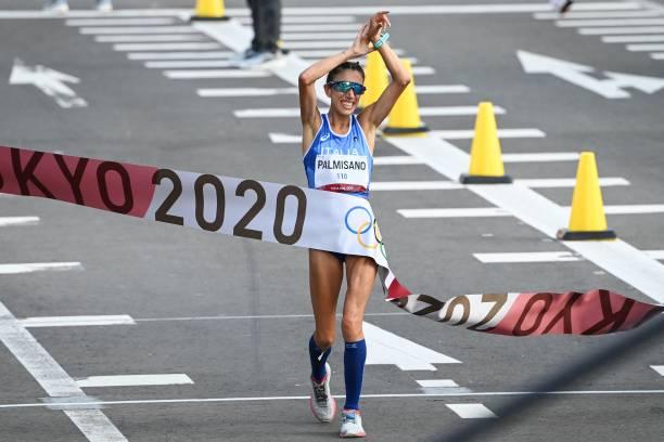 Cô gái mê bóng chuyền vô địch đi bộ 20km nữ, Ý hoàn tất cú đúp HCV Olympic Tokyo