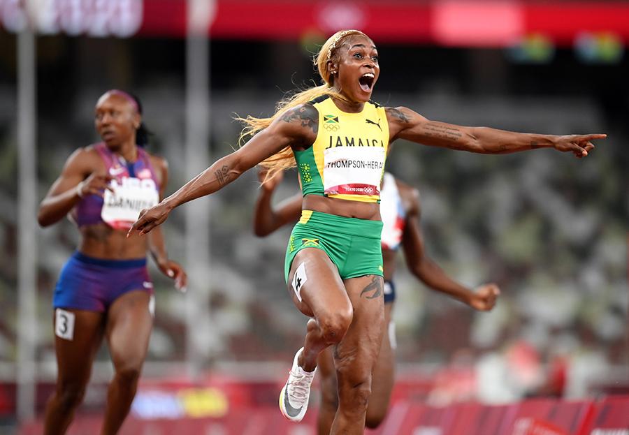 Đồng hương Usain Bolt thống trị 100m nữ, phá kỷ lục Olympic 33 năm