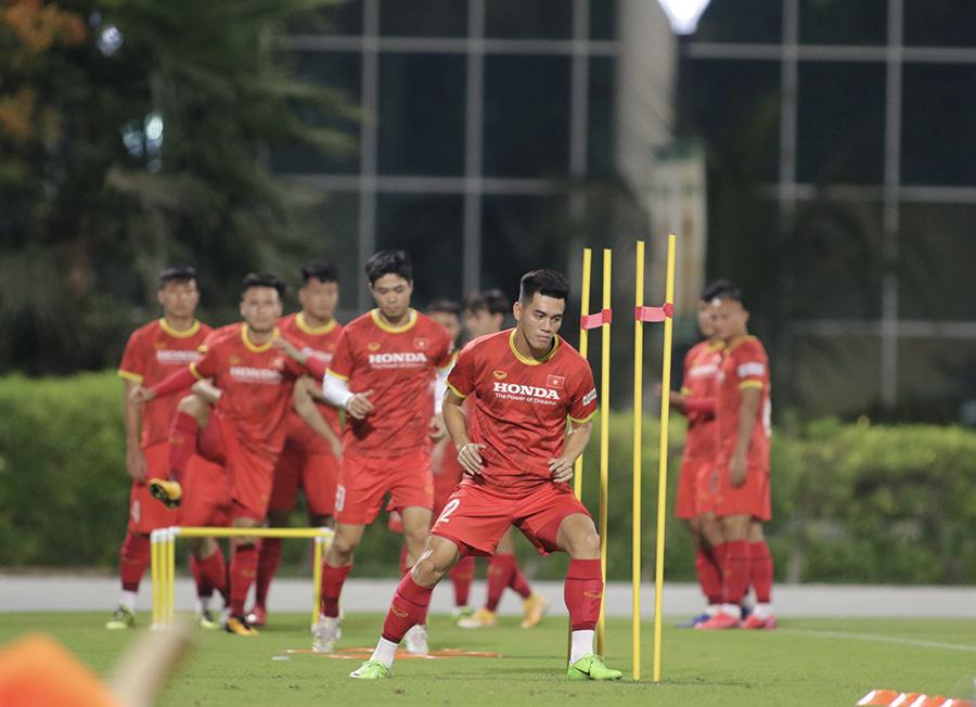 HLV Trần Minh Chiến: Hàng thủ Indonesia yếu, Việt Nam sẽ thắng 2-0