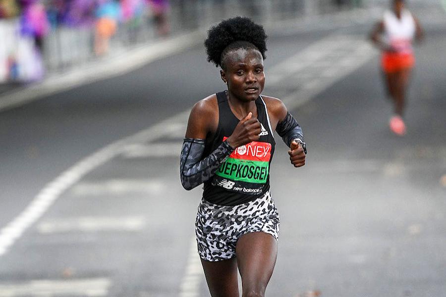 "Kỷ lục gia thế giới bị ""hạ bệ"" tại London Marathon 2021"