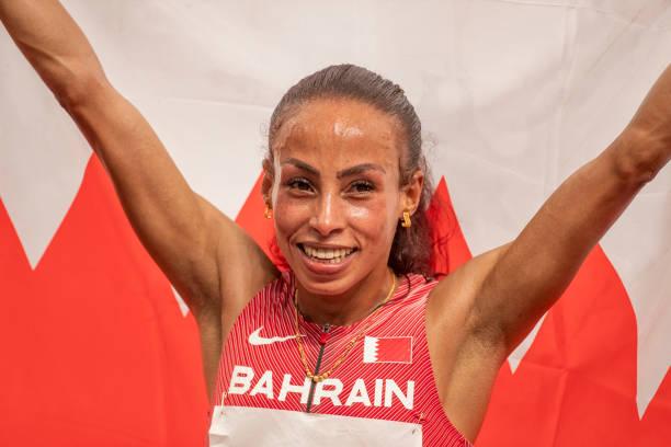 Á quân Olympic Tokyo phá kỷ lục thế giới chạy 10km nữ