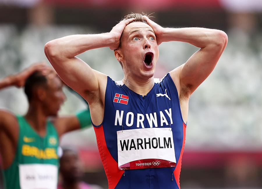 """""""Nam thần Na Uy"""" Karsten Warholm lập kỷ lục thế giới 400m rào ở Olympic Tokyo"""