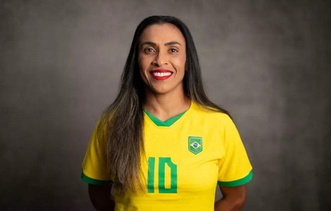 Lương của Marta chênh lệch như thế nào so với Neymar?