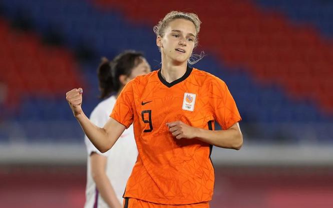Tiền đạo Hà Lan phá kỷ lục ghi bàn ở Olympic của Christine Sinclair