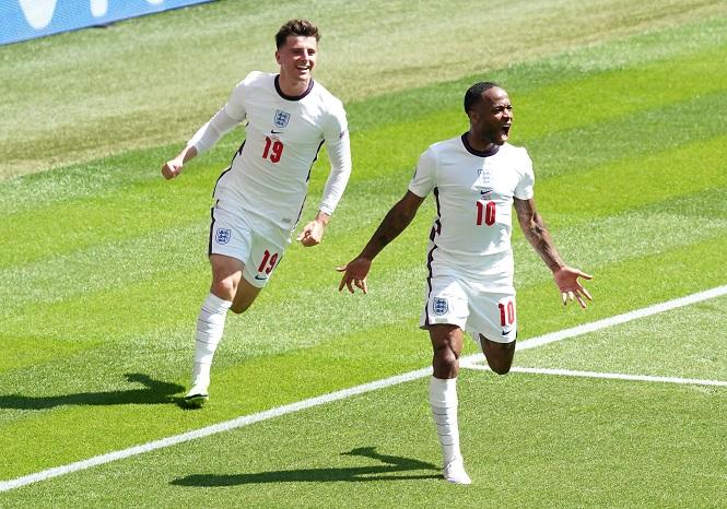 Sterling ghi dấu ấn ngoạn mục vào số bàn thắng của tuyển Anh